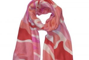 mcculleys-highlands-cashiers-nc-scarf