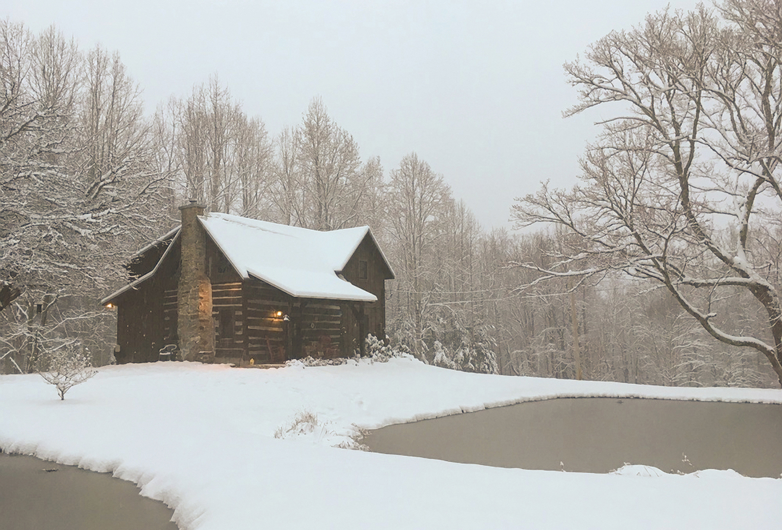 Leah-Singleton-cabin-in-the-winter-photo-contest