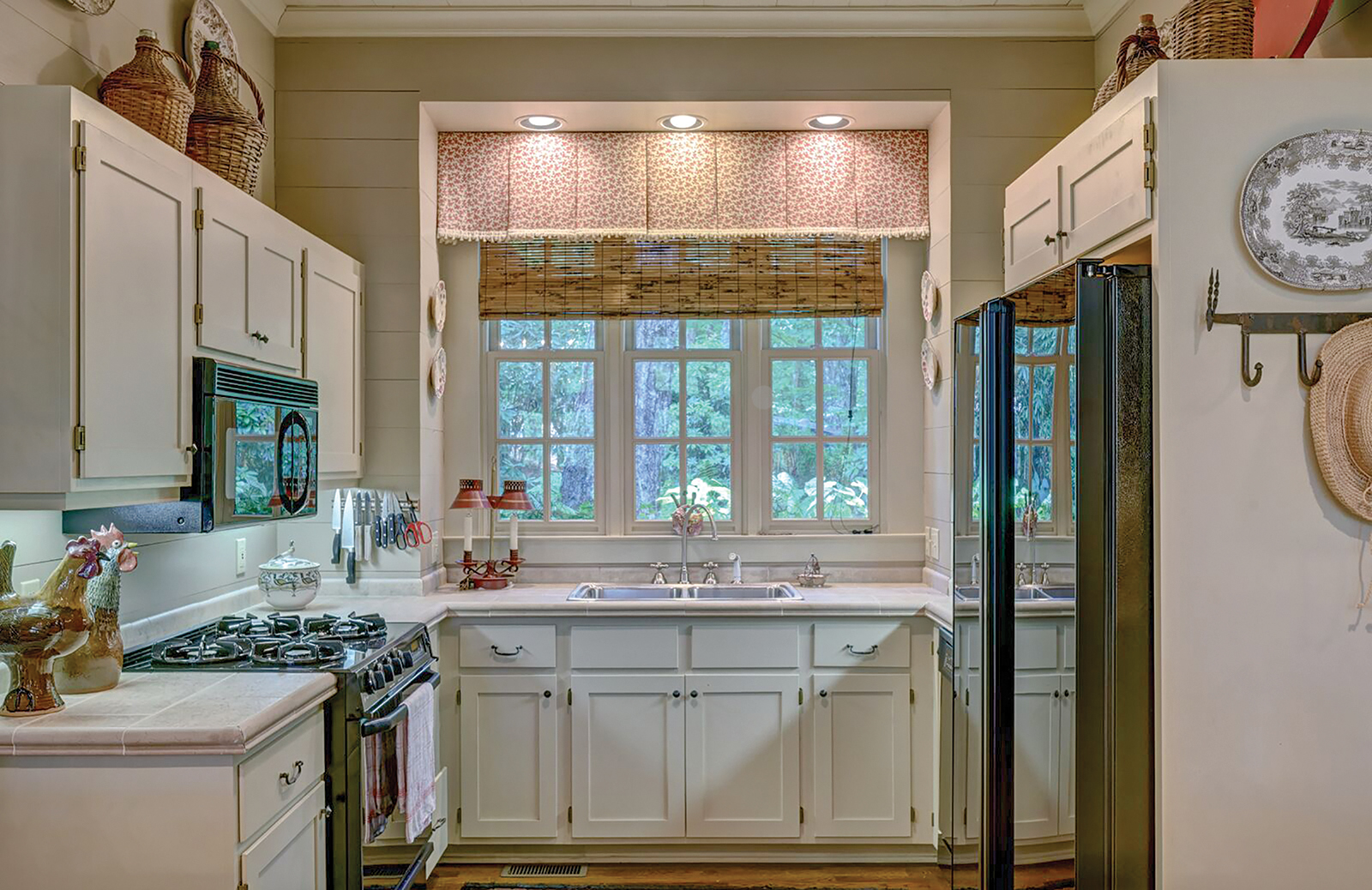 cashiers nc home for sale kitchen