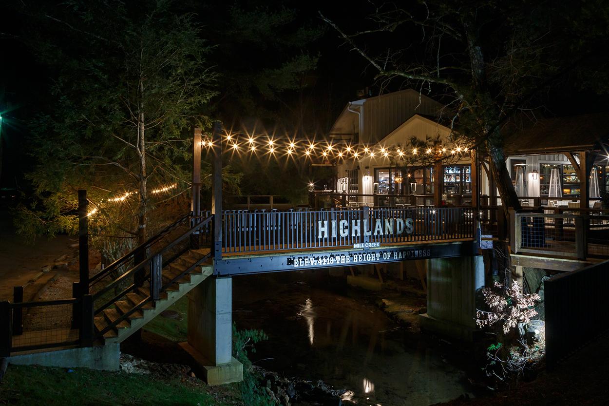 highlands-nc-restaurant-bridge-exterior