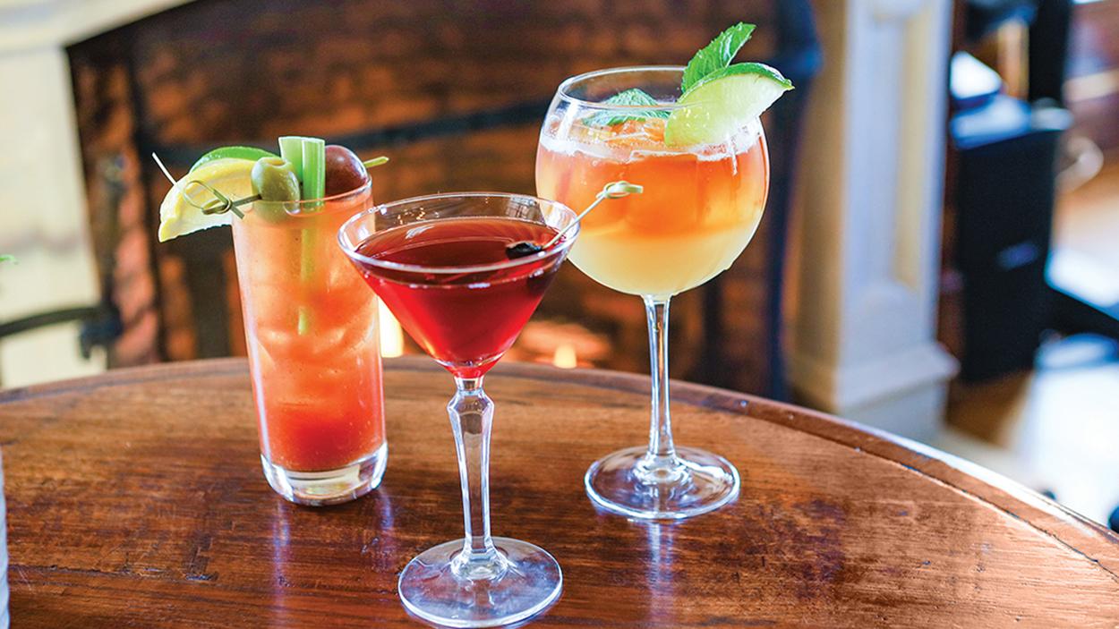 highlands-nc-restauarant-hummingbird-lounge-drinks