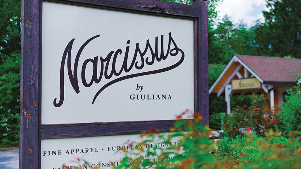 cashiers-nc-shopping-narcissuss