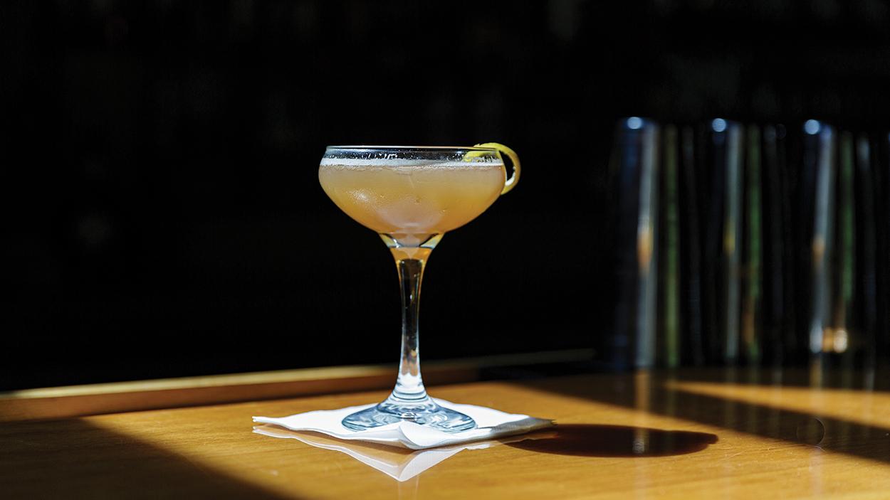 highlands-nc-dining-on-the-verandah-drink