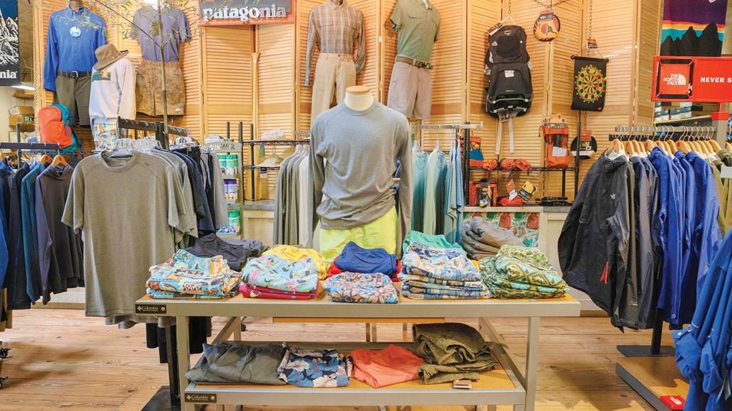cashiers-shopping-vics-for-men