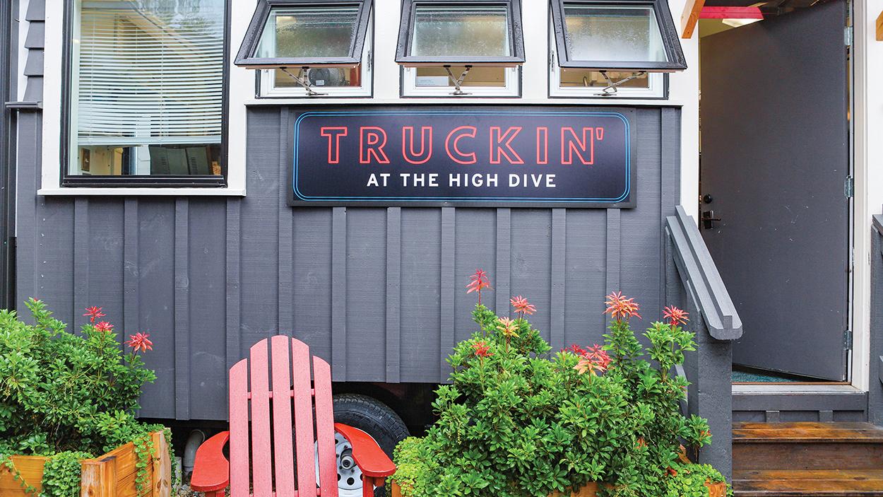 highlands-nc-restaurant-truckin-at-the-high-dive