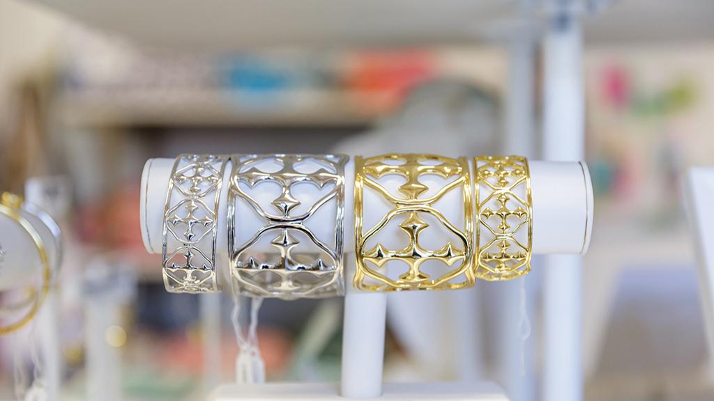 cashiers-nc-shopping-gracewear-bracelets