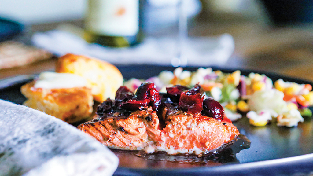 highlands-nc-restaurant-rosewood-market-salmon