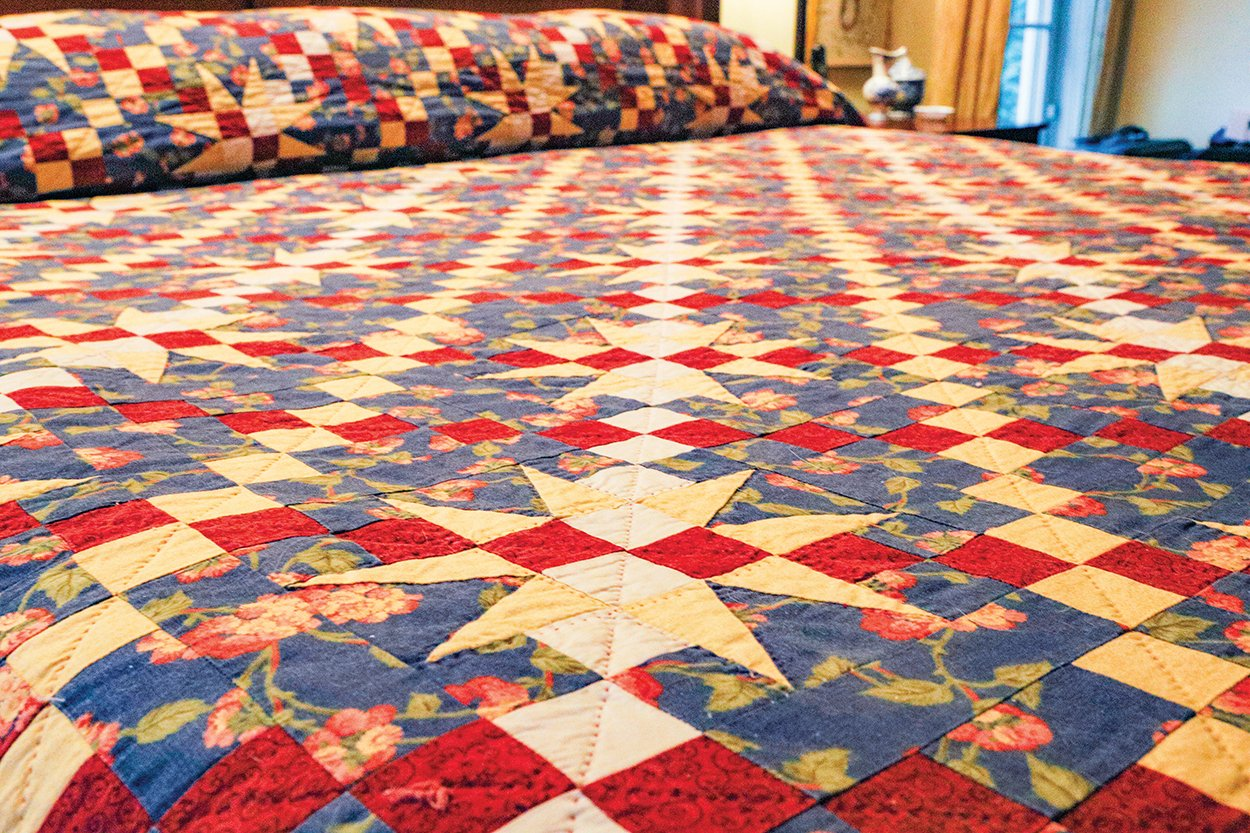 cashiers-nc-quilter-louis-bed-quilt-angle
