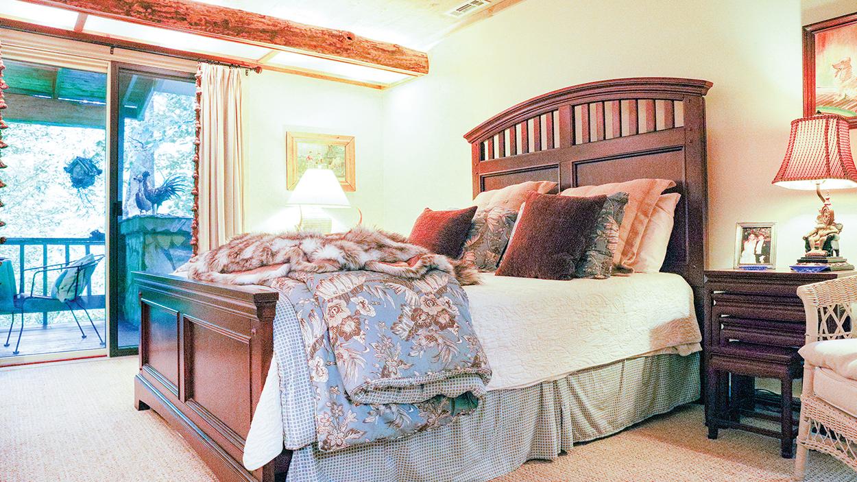 highlands-nc-condo-bedroom